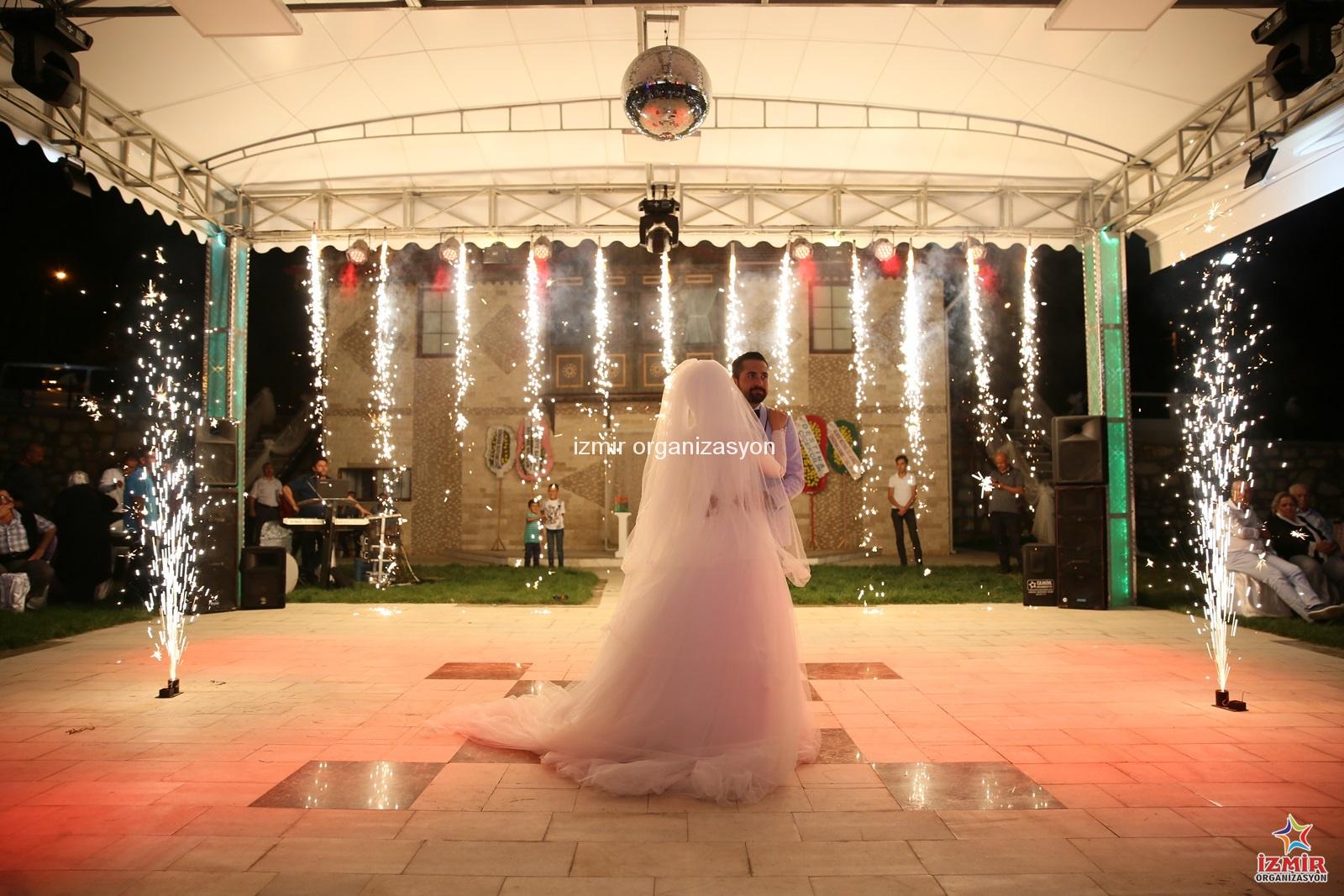 Düğün Organizasyonu Fotoğrafçı Temini İzmir