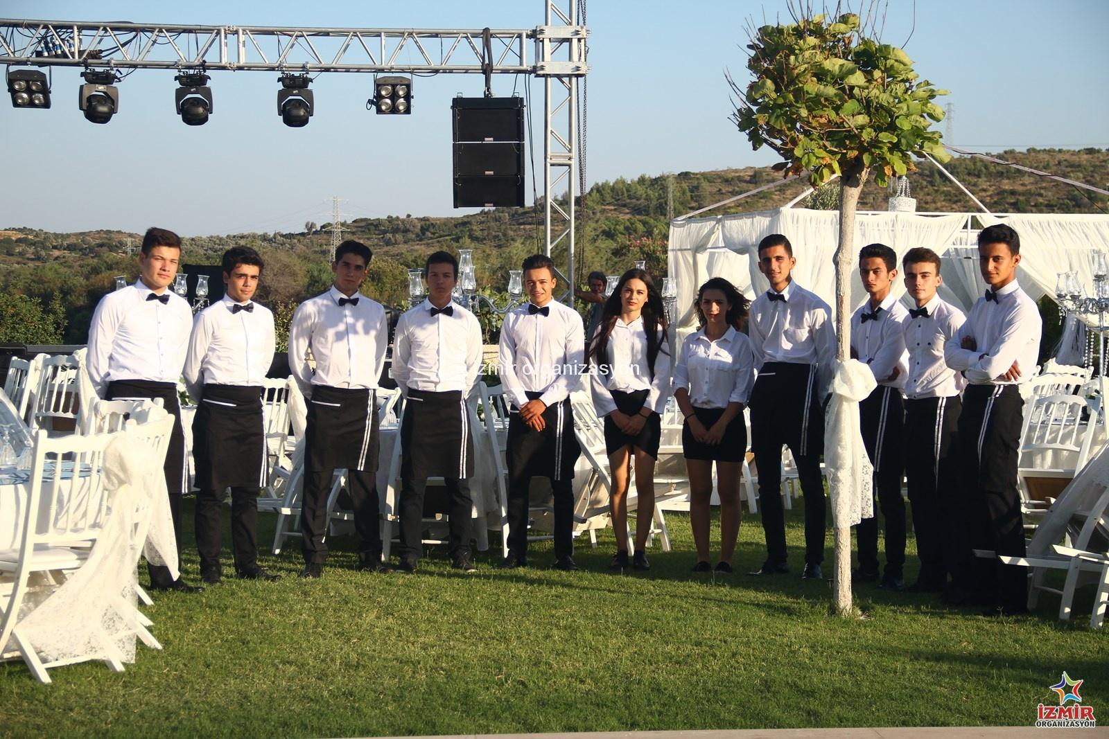 İzmir Düğün Organizasyonu Servis Elemanı