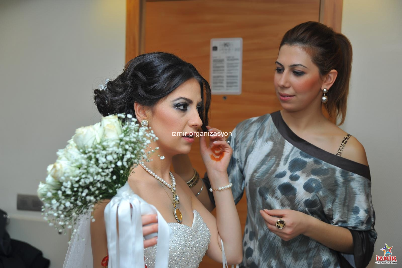 İzmir Düğün Organizasyonu Fotoğrafçı ve Kameraman Temini