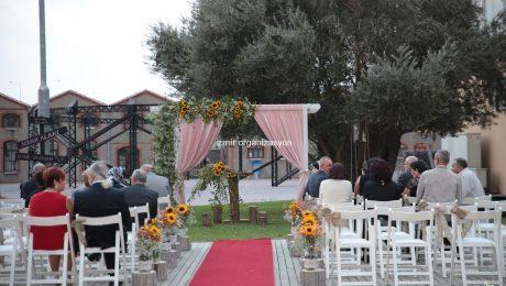 Yürüyüş Yolu ve Sandalye Süsleme İzmir Organizasyon