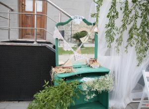Konseptli Düğün Organizasyonu Ahşap Mobilya ile Süsleme İzmir