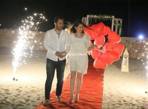 Bodrum'da Kumsalda Evlilik Yıl Dönümü Organizasyonu Uçan Balon Süsleme