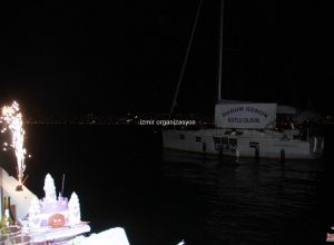 Doğum Günün Kutlu Olsun Yazılı Dev Pankart ile Doğum Günü Organizasyonu İzmir